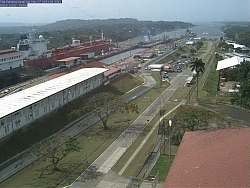 Panama Canal, Gatun Locks